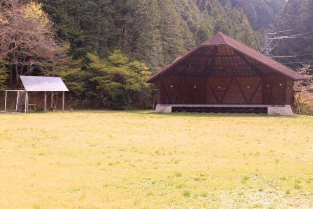 ステージ-キャンプ場